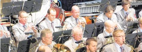 Zum Jahreskonzert zeigte sich der Musikverein Frenkhausen unter der Leitung von Bernhard Reuber quer durch alle Register glänzend aufgelegt.