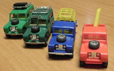 4 Land Rover: safari (115), GC Tráfico, safari (2052) y grúa. La foto es cortesía de Piero Barba (Italia).