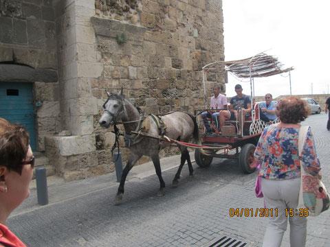 крепость крестоносцев в городской стене