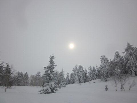 2014.3.16 弥生の太陽             十勝岳山系 三段山にて