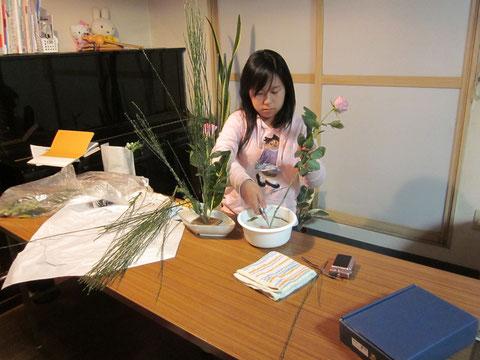 2012.4.12 たてるかたち  by Vickyさん