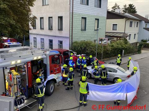 Feuerwehr; Blaulicht; FF Guntramsdorf; B17; Schwerer Verkehrsunfall; PKW; Christopherus;