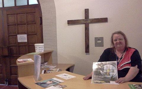 Start für helfende Hände in der Kirche! InfoPointKirche wird am Sonntag, 28.07.2013 in Dienst genommen!