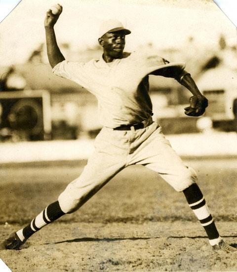 Nella foto  Satchel Paige alla Negro League