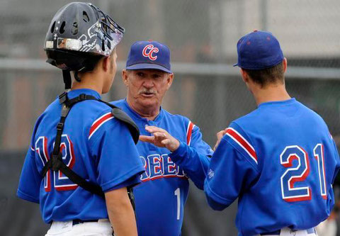 Nella foto l'head coach Marc Johnson da 41 anni alla Cherry Creek high school (Colorado)