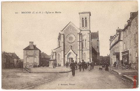La place de Broons, vers 1910