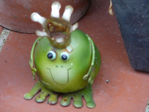 Froschkönig aus Blech