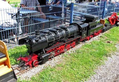 © Traudi  -  An dieser Lok der 50er Baureihe wurde 14 Jahre gearbeitet, bis sie zusammengebaut war.