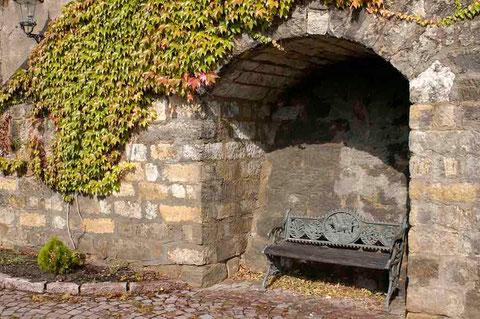 Diese Bank steht in der Nähe der Albrechtsburg in Meissen  -  © Traudi   2004