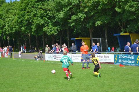 B-Jugendspieler Janik Löphtin als Schiedsrichter beim F-Jugendturnier in Jevenstedt