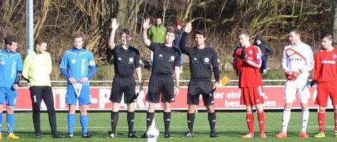 v.l. Niklas Stäcker (TSV Borgstedt), Vincent Manthey und Dajinder Pabla (beide TuS Jevenstedt) haben sich einst für die Schiedsrichterei gemeldet