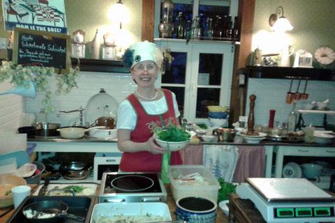 """Karola in ihrer """"Küche"""""""