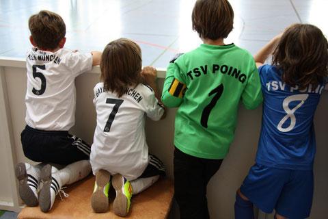 Bayern München und TSV Poing - Fachsimpelei über die Gegner