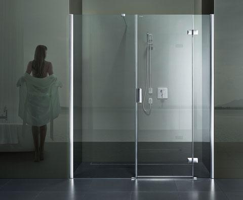 BILD: Artweger 360 Design-Dusche mit Pendelttüren für moderne Bäder