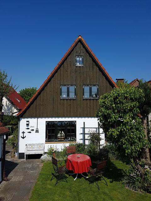 Das Ferienhaus (80 m², für 2 Personen) mit Blick auf die Schlei