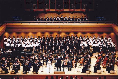 第55回定期演奏会 「カルミナ・ブラーナ」(2010.4.10.)於:東京オペラシティ大ホール                〈写真:フォトライフ〉
