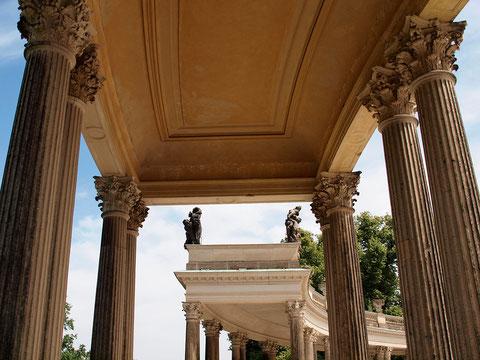 Schloss Sanssouci, 18mm, ISO 200, f/5, 1/800 s, +1LW (Foto: R. Helmholtz)