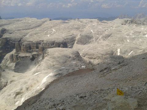 Downhill auf etwa 3100m - am Mond?