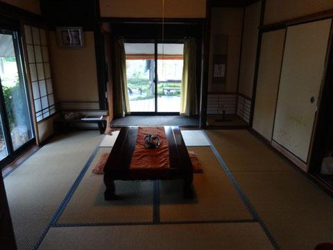 Japanese style tatami room (4 pax)