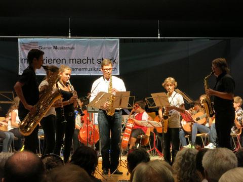 Jonas Ferndriger, 2. von rechts, ist unser Saxophonnachwuchstalent