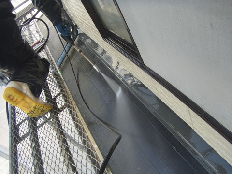 コロニアル屋根の高圧洗浄。熊本K様家。