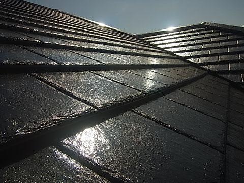 熊本市K様家の屋根瓦塗装完了。 シルバー系ブラックカラーにて塗替えでピカピカキレイ。