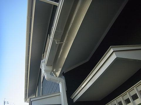 外壁・木部やトイ・軒天・鉄部等の塗装完成様子。