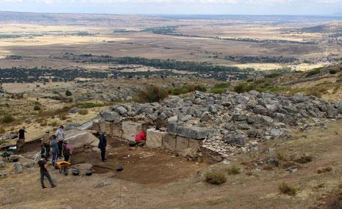 Este mes de julio ha comenzado una nueva campaña de excavaciones en el enigmático Torreón del castro de Ulaca (Solosancho, Ávila). / Foto: Proyecto Ulaca UCM
