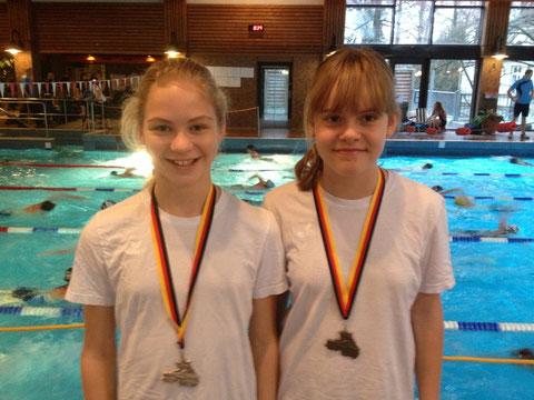 Die beiden Medaillengewinnerinnen: Katharina Storz, Pauline Wullenkord (von links)