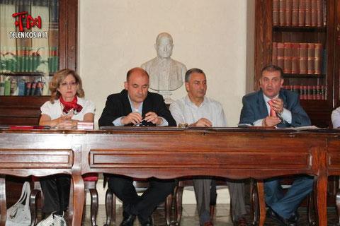 Riunione del Coordinamento Unitario per il Tribunale di Nicosia presso lo studio del 9 giugno 2012-Nella foto il Presidente del CC.di Nicosia, il Sindaco di Nicosia, il Sindaco di Gagliano C.to e l'Avv. S.Timpanaro