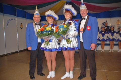 Ehrung 2015 11 Jahre Gardetanz :Denise Noe und Mirjam Schulz