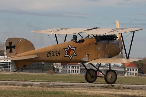 Albatros D.III rollt zum Start. Foto: PE