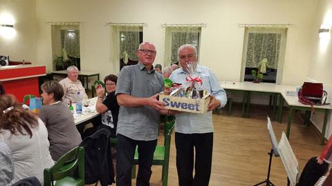 Nachträgliche Ehrung von Friedmar König durch Klaus Pröger zu seinem 65. Geburtstag