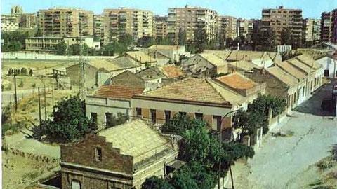 extinta colonia Mahou 1979 El ángulo sería desde Corazón de Mª con Santa Hortensia. Al fondo los edificios del parque de las Avenidas