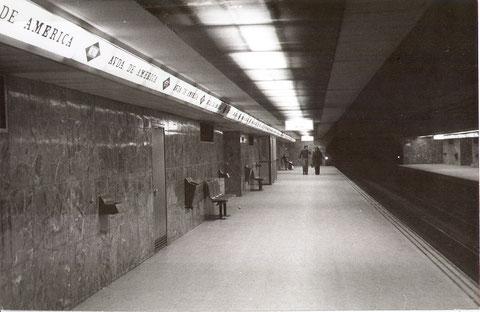 Andenes de la estación de Avenida de América. 6 de febrero de 1975. Colección César Mohedas.