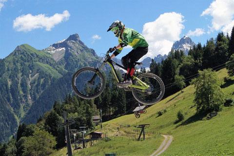 Downhill Sprung Bikepark Brandnertal
