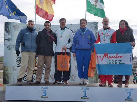Manuel Lara Buendía,después de haber recibido la medalla de oro, que le acredita campeón de Andalucía.
