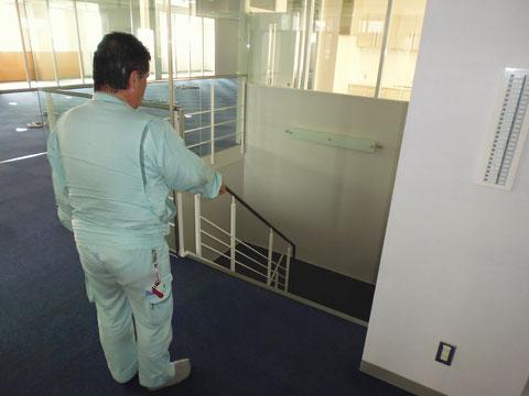 避難階段に避難の障害