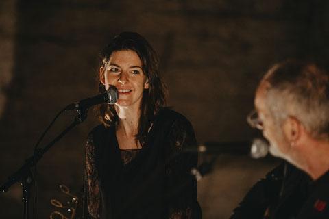Roli Frei und Andrea Samborski auf der Bühne fürs Calcutta Project