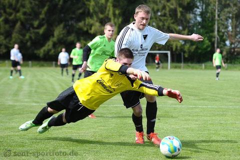 SV Bernshausen (weiß) vs Eintr. Gieboldehausen (grün)