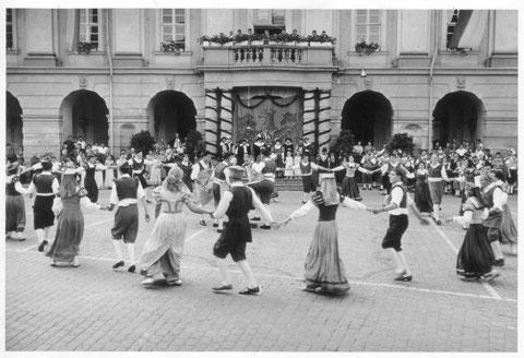 Erstaufführung des Historischen Wagnertanzes 1949