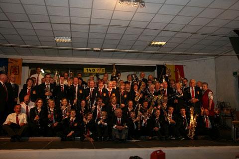 La Fanfare Royale l'Union d'Ollignies au grand complet après le concert du 140e anniversaire !