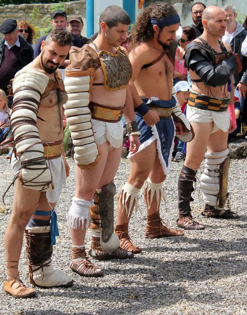 Die Gladiatoren/The Gladiotors,  Römerfest Hechingen-Stein, Römisches Freilichtmuseum Hechingen-Stein, 16.08.2014., Canon EOS 550d. Foto: Eleonore Schindler von Wallenstern.