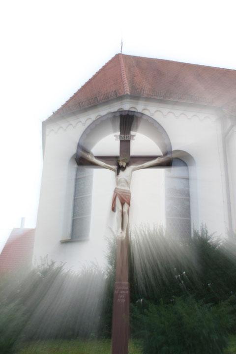 Divine Light, Wegkreuz/Wayside Cross, Baisingen, Germany, 05.10.2014, Canon EOS 550d. Foto: Eleonore Schindler von Wallenstern.