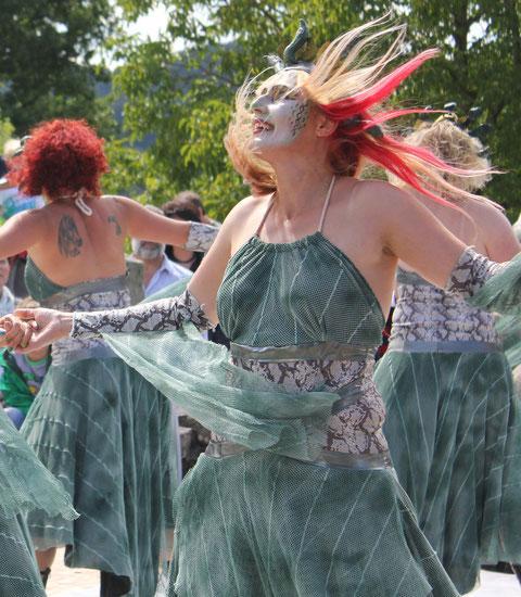 Tanz der Medusen/Medusa-dance, Römerfest Hechingen-Stein, Römisches Freilichtmuseum Hechingen-Stein, 16.08.2014., Canon EOS 550d. Foto: Eleonore Schindler von Wallenstern.