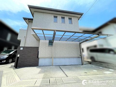 広島市西区 建物にフィットする逆勾配カーポートを設置!