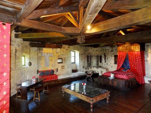 chambre d'hotes insolite et médiévale - sejour médiévale La chambre Royale au château -fort de Tennessus