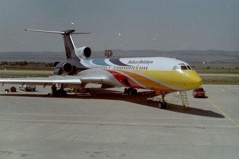 TU154M LZ-HMQ-1