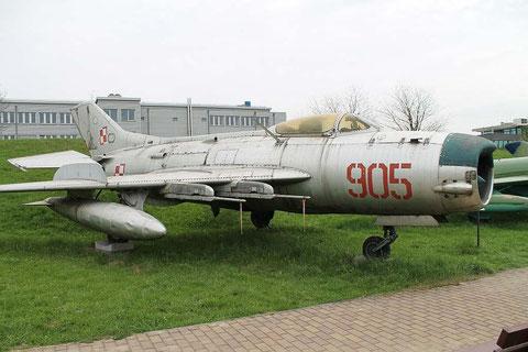 MiG19 905-1