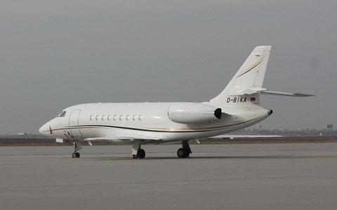 Falcon2000 D-BIKA-1